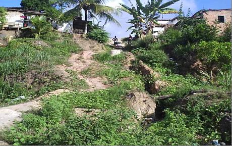 """Fotografia de um dos """"abismos"""" existente na região"""